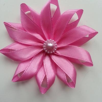 Fleur de satin  7,5cm rose bonbon
