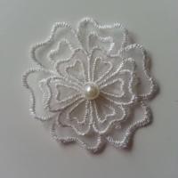 double fleur en dentelle blanc ivoire et perle 50 mm