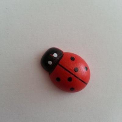 coccinelle en bois rouge et noir 25*18mm
