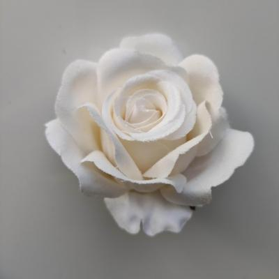 tête de rose artificielle en tissu ivoire 70mm