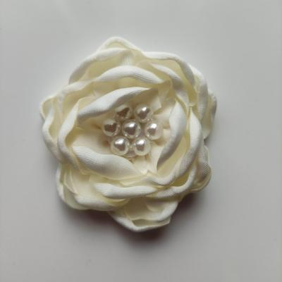 fleur satin de soie centre perle 55mm ivoire