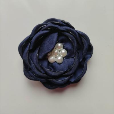 fleur satin de soie centre perle 55mm bleu marine