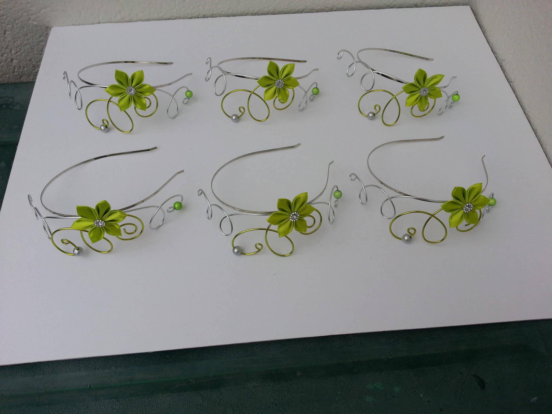 1655941 serre tete fil aluminium et fleur de satin vert anis et ar 2