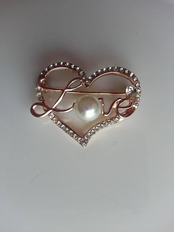 1656468 attache traine broche doree mariage coeur strass 30 35mm 1