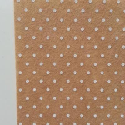 N19 Carré de feutrine motif pois 15*15cm beige