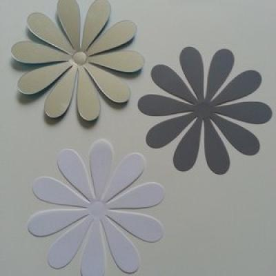 Fleur 3D  en plastique 9.5 cm