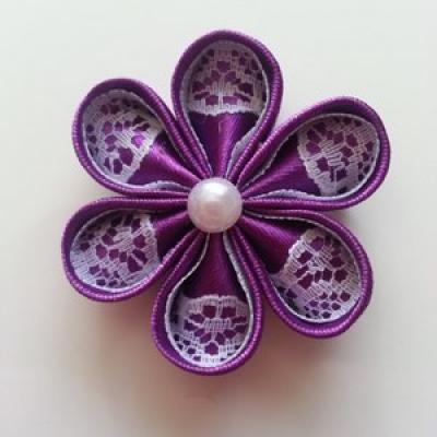 Fleur satin de couleur et dentelle 5cm ronde violet et blanc