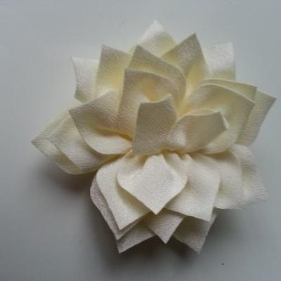 fleur en tissu ivoire 70mm