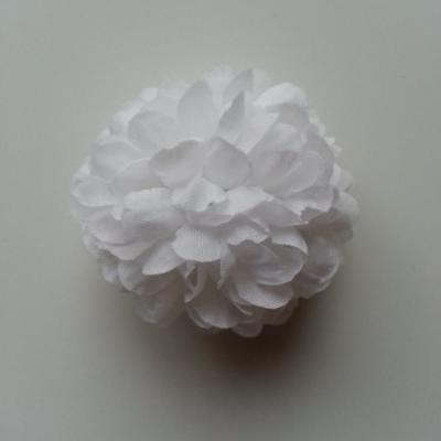 Fleur  pompon en tissu  blanc 50mm
