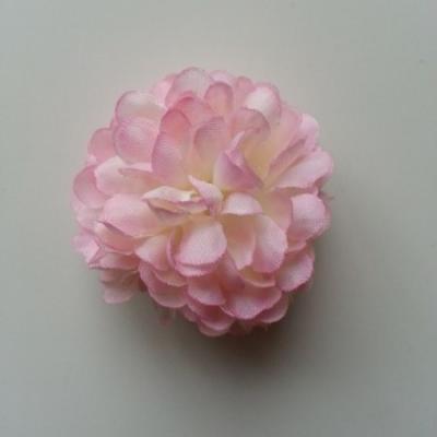 Fleur  pompon en tissu rose pâle  50mm