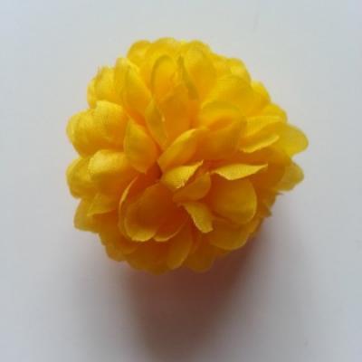 Fleur  pompon en tissu jaune  50mm