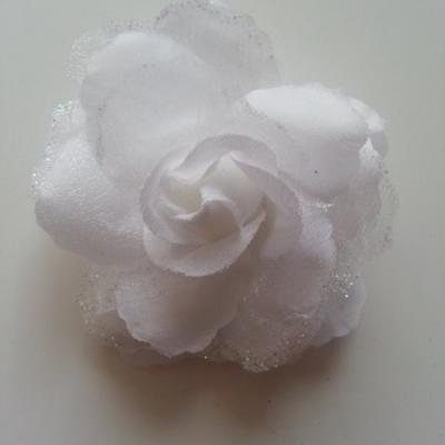 Rose  en tissu pailletée   blanc 70mm