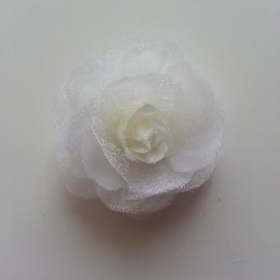 Fleur  en tissu ivoire  45mm