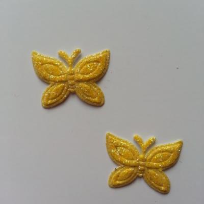 Lot de 2 papillons  paillettes jaune  en tissu 23*18mm