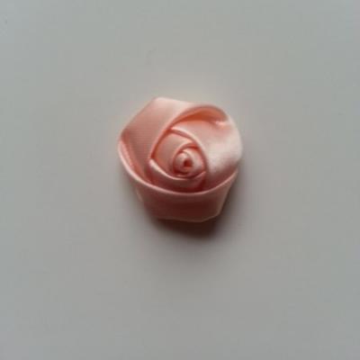 Fleur de satin bouton de rose 2.2cm pêche