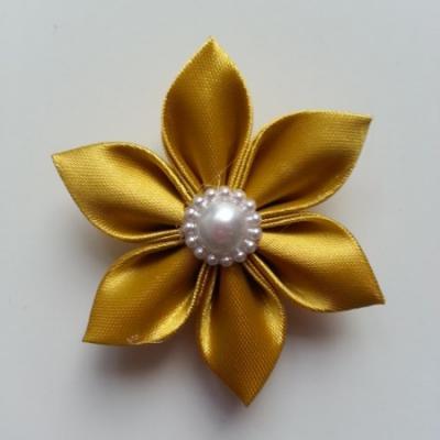 Fleur satin unie jaune moutarde 5cm