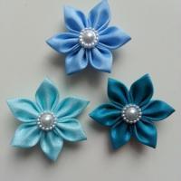lot de 3 fleurs  en tissu 4cm bleu ciel pétales pointus