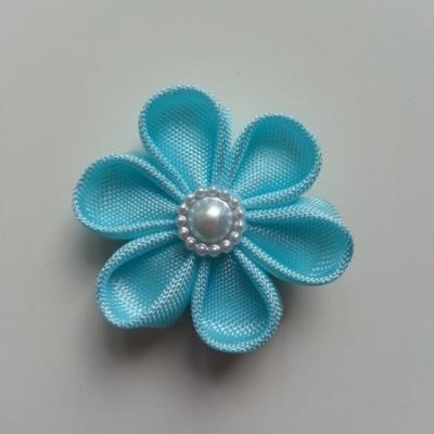 fleur en tissu 4cm bleu pétales ronds