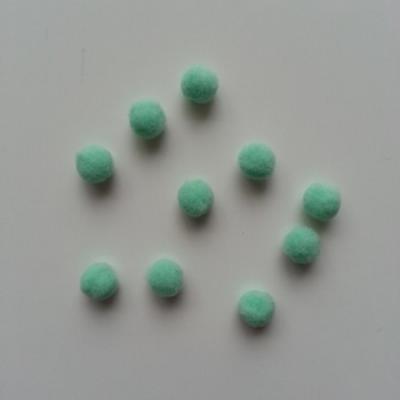 Lot de 10 petits pompons  8mm vert pâle