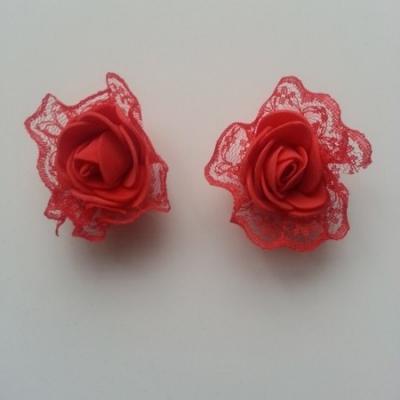 Lot de 2 têtes de rose en mousse et dentelle rouge 5 cm