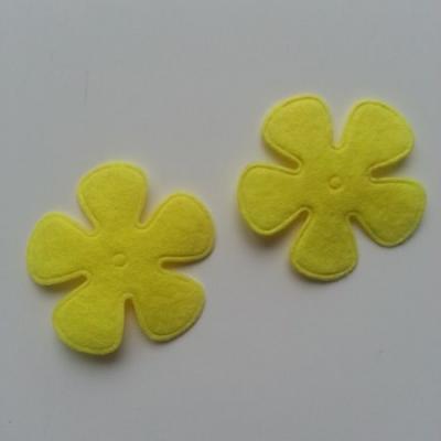 Lot de 2 fleurs  feutrine 45mm jaune