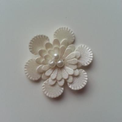 fleur en simili cuir  35mm ivoire