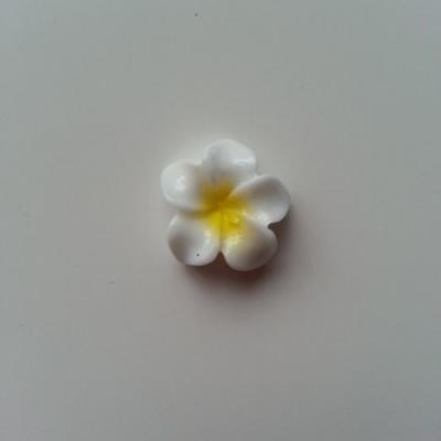 fleur en résine blanche et jaune 16mm