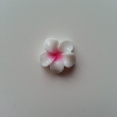fleur en résine blanche et rose fuchsia  16mm