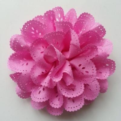 fleur dentelée en tissu rose bonbon  10cm