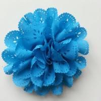 fleur dentelée en tissu bleu turquoise  10cm