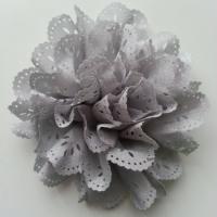 fleur dentelée en tissu gris  80mm