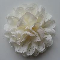 fleur dentelée en tissu ivoire  80mm