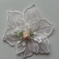 fleur en dentelle et sa mini fleur ivoire 80 mm