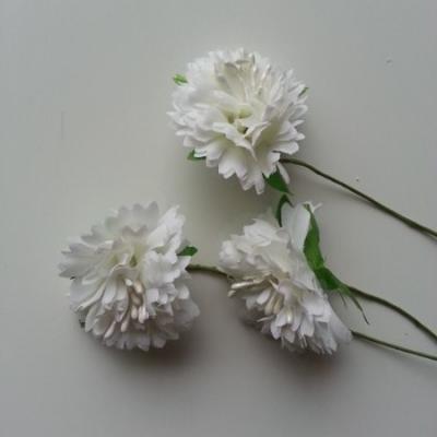 lot de 3 fleurs en tissu et pistils sur tige 40mm ivoire