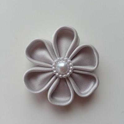 fleur en tissu 4cm gris  pétales ronds
