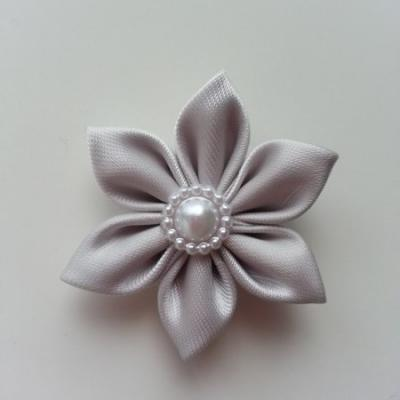 fleur en tissu 4cm gris pétales pointus