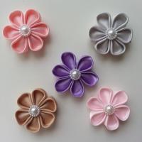 lot de 5 fleurs  en tissu 4cm  pétales ronds