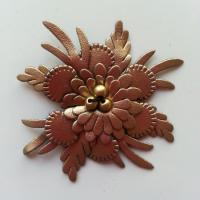 fleur en simili cuir  50mm dore