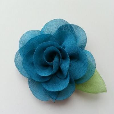 Fleur en mousseline avec feuille  50mm verte