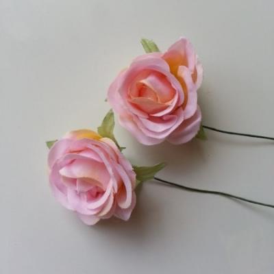 lot de 2 fleurs en tissu sur tige 30mm rose