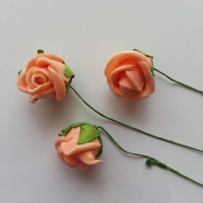 Lot de 3 roses 2 à 2.5cm en mousse  sur tige pêche