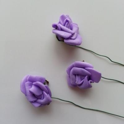 Lot de 3 roses 2 à 2.5cm en mousse  sur tige mauve