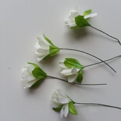 lot de  5 fleurs artificielles en tissu ivoire sur tige