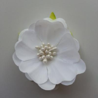 fleur tissu et pistils  50mm blanc