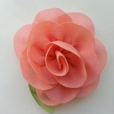 Fleur en mousseline avec feuille  50mm pêche