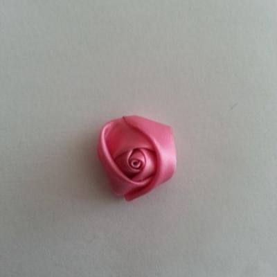 Fleur de satin bouton de rose 2.2cm rose