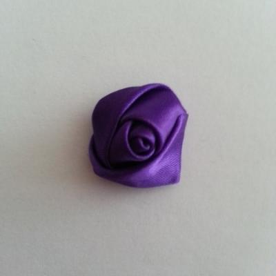 Fleur de satin bouton de rose 2.2cm violet