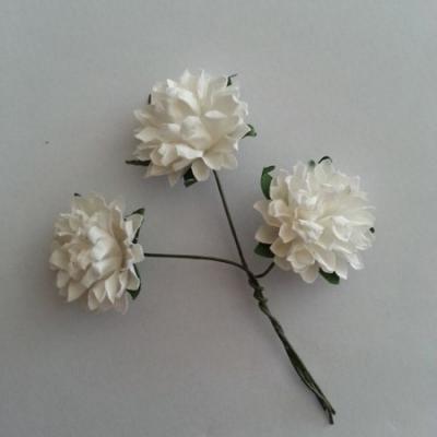 lot de 3 fleurs en papier sur tige blanche 2.5cm