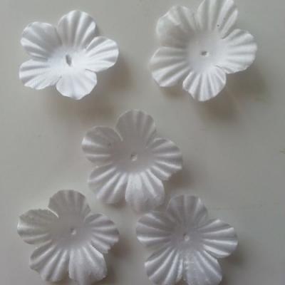 Lot de 5 fleurs en tissu  35mm blanc
