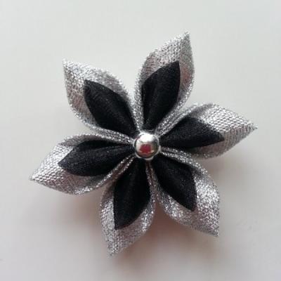 Fleur satin argent et organza noir 5cm